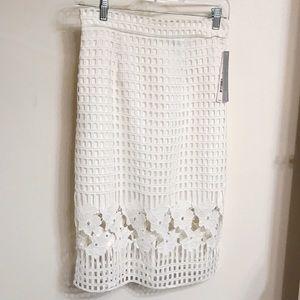 NWT Aqua Capsule Beautiful White Detailed Skirt